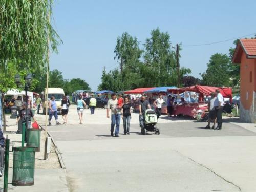 2011-kereki-falunap-054