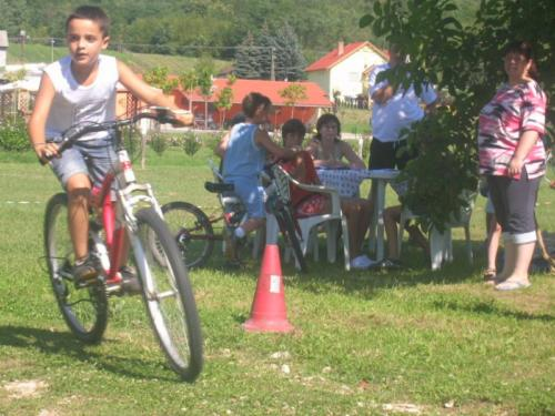 Var takaritas bicikli versenyy044